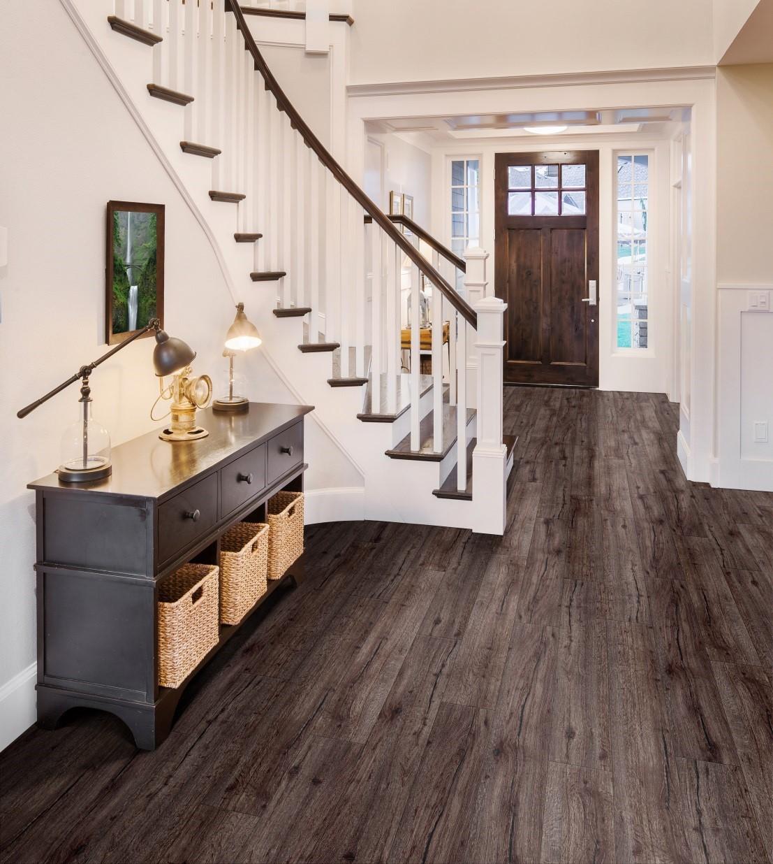 Benefits of Laminate Flooring Hallway